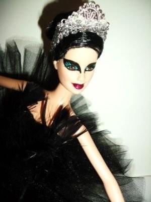 black-swan-ballerina-barbie-doll-ooak-repaint_180613860655.jpg