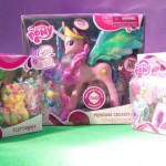 Fluttershy, Princess Celestia e Daisy Dreams in bo